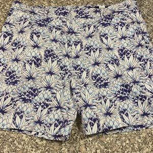 Men's Vineyard Vines shorts size 40 GUC